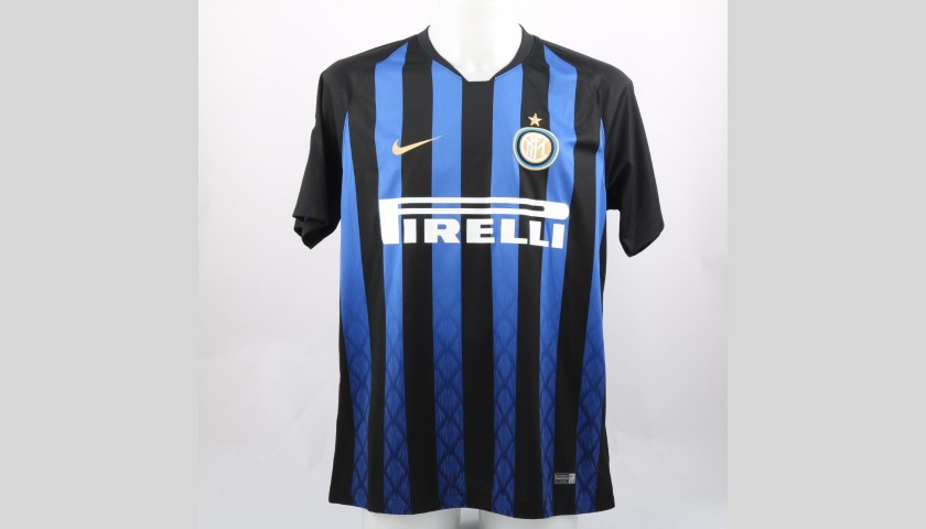the best attitude 01d1b 420f0 Icardi's Official Inter Signed Shirt, 2018/19 - CharityStars