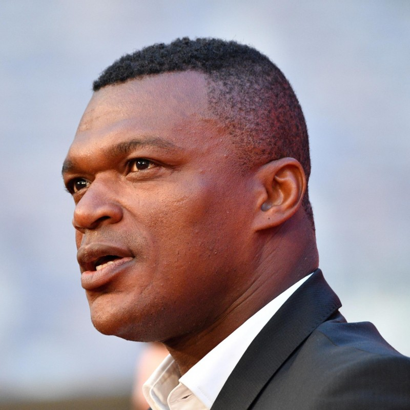 Participate in the 2017 Golden Foot Gala Dinner at Marcel Desailly's Table