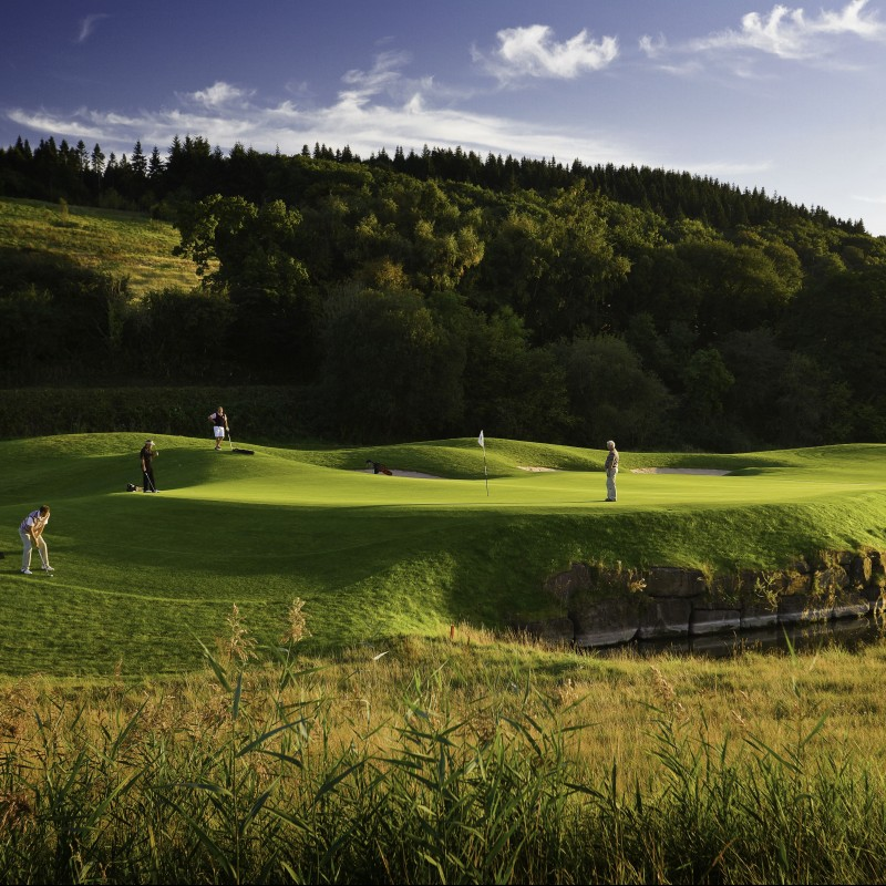 4-ball on 2010 Ryder Cup Course + 1 Night Stay at Celtic Manor Resort