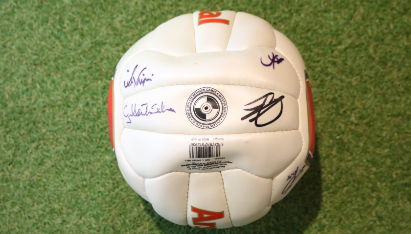 Official Arsenal Football - Signed by the Glories