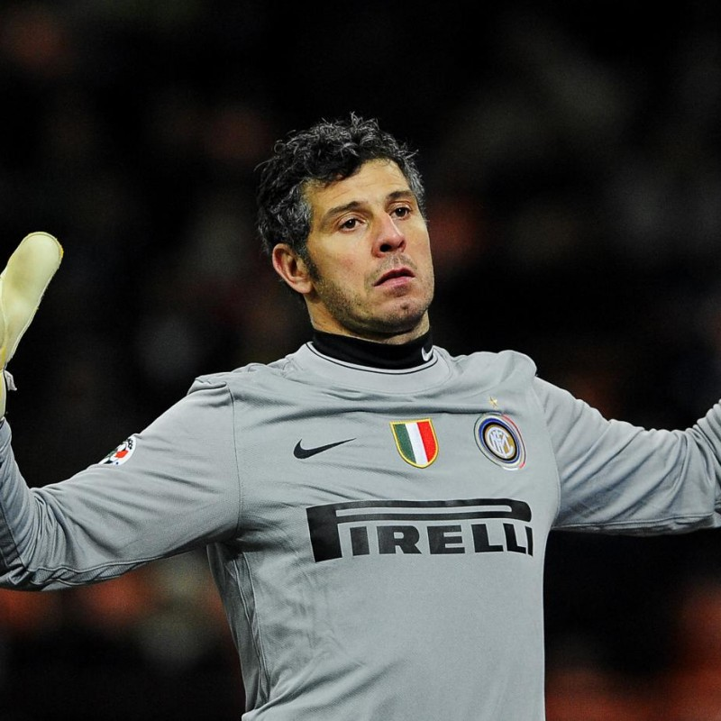 Francesco Toldo's Match-Worn Personalized Gloves