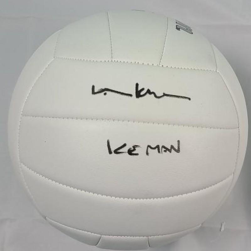"Palla di ""Top Gun"" autografata da Val Kilmer"