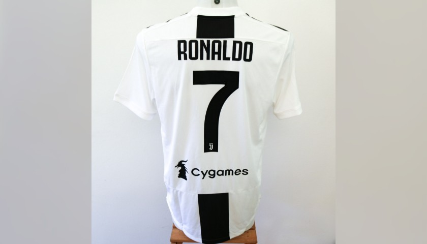 sports shoes 34ee4 3c033 Ronaldo's Match-Issue/Worn Juventus Shirt, 2018/19 - CharityStars