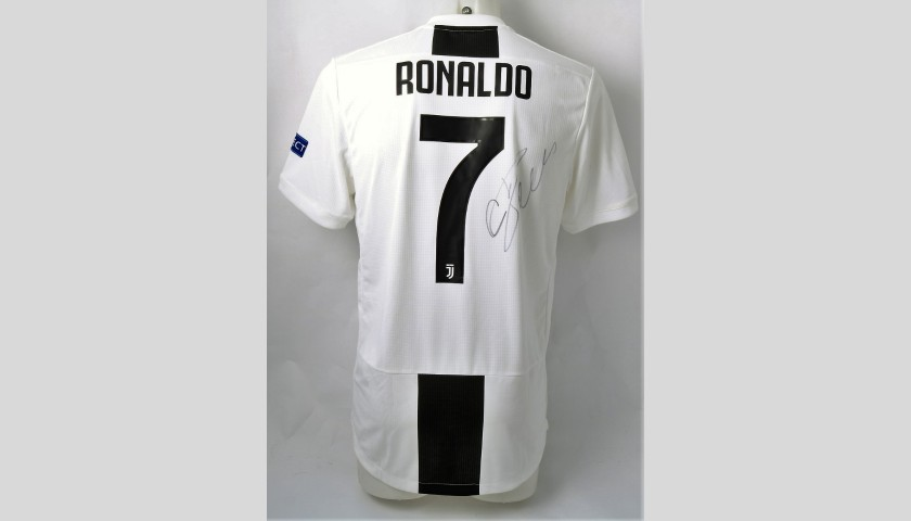 newest 67722 4d51f Ronaldo's Authentic Juventus 2018/19 Signed Shirt - CharityStars