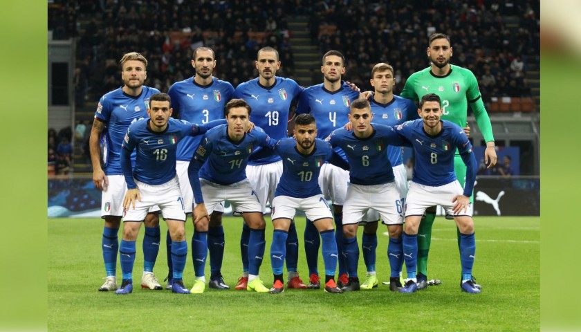 best service b3865 0724d Authentic Italy 2018 Shirt - Signed by the Players - CharityStars