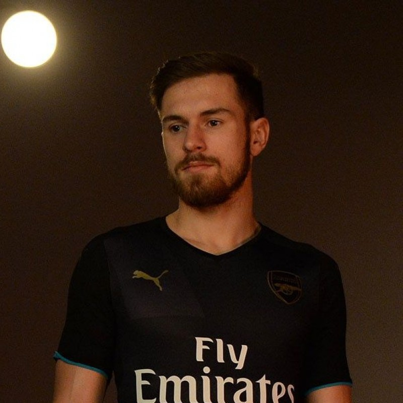 Ramsey's Official Arsenal Signed Shirt, 2015/16