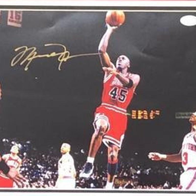 Michael Jordan Signed & Framed Display