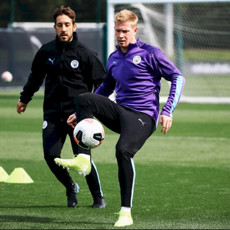 Watch the Premier League Champions Manchester City Train at City Football Academy