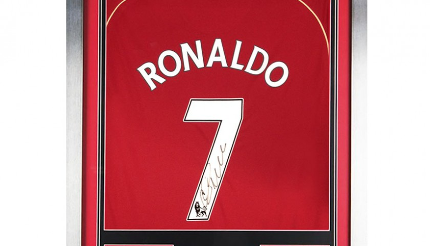 new product 16bac d106a Cristiano Ronaldo Signed and Framed Man United no.7 Shirt - CharityStars