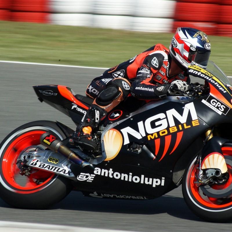 Colin Edwards Signed Akrapovic Moto GP Titanium Exhaust System