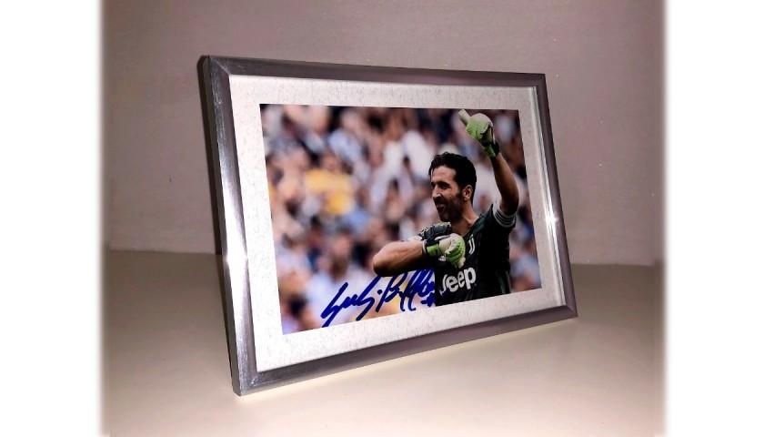 Gianluigi Buffon Signed Photograph