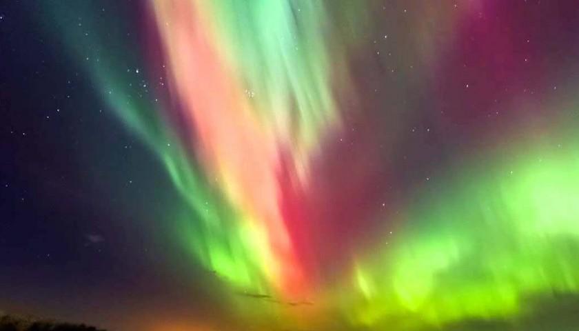 485d816c Vola per assistere allo spettacolo dell'Aurora Boreale, x2 - CharityStars