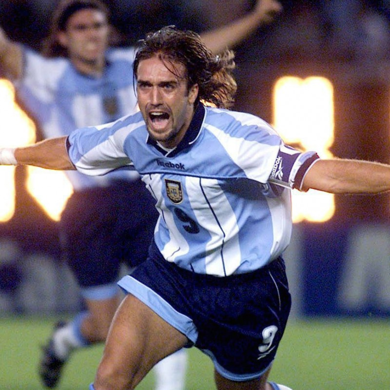 Batistuta's Official Argentina Signed Shirt, 2000