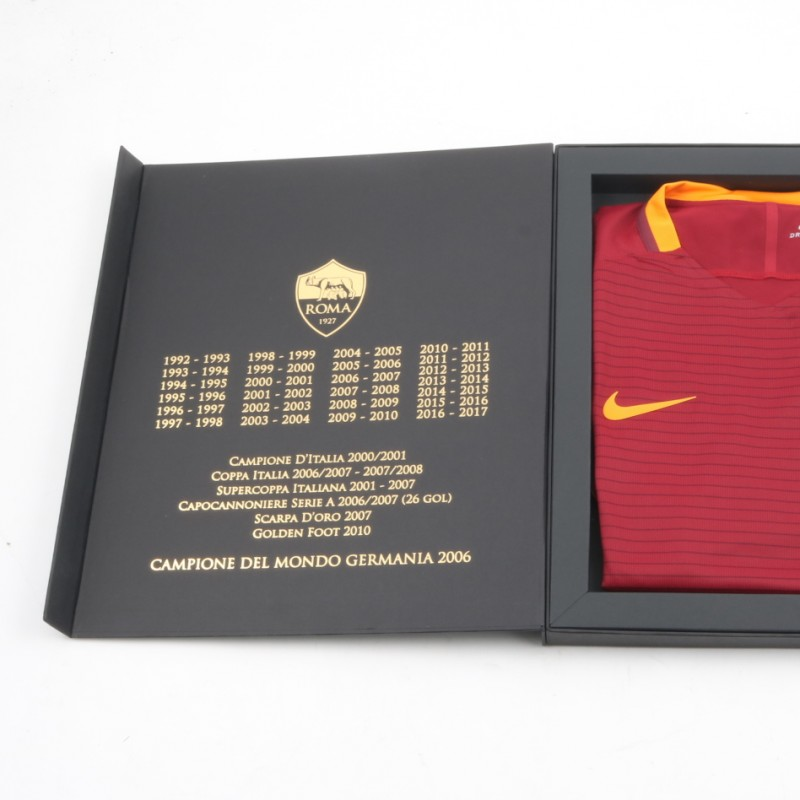 Special Edition Francesco Totti Box - Signed Shirt