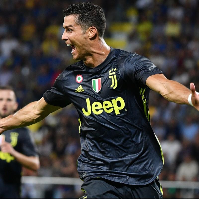 62004d9f341 Ronaldo s Official Juventus 2018 19 Signed Shirt