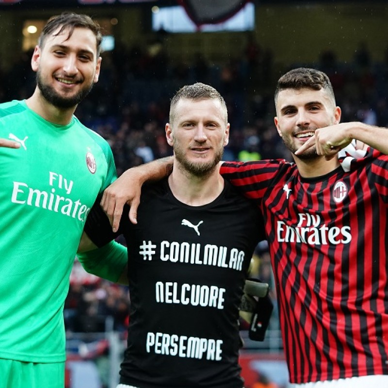 Cutrone's Worn and Signed Shirt, Milan-Frosinone 2019
