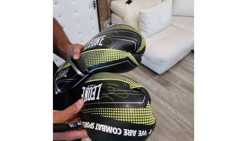 Clemente Russo Signed Boxing Gloves + Nino Benvenuti Signed Comic Book
