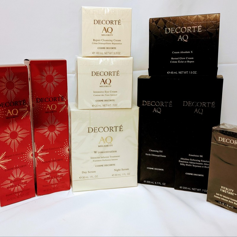 DECORTÉ Cosmetics AQ Luxurious Skincare