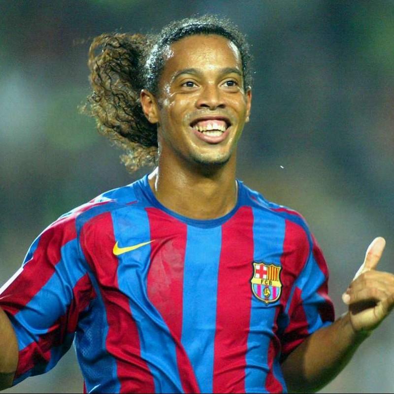 Ronaldinho's Official Barcelona Signed Shirt, 2005/06