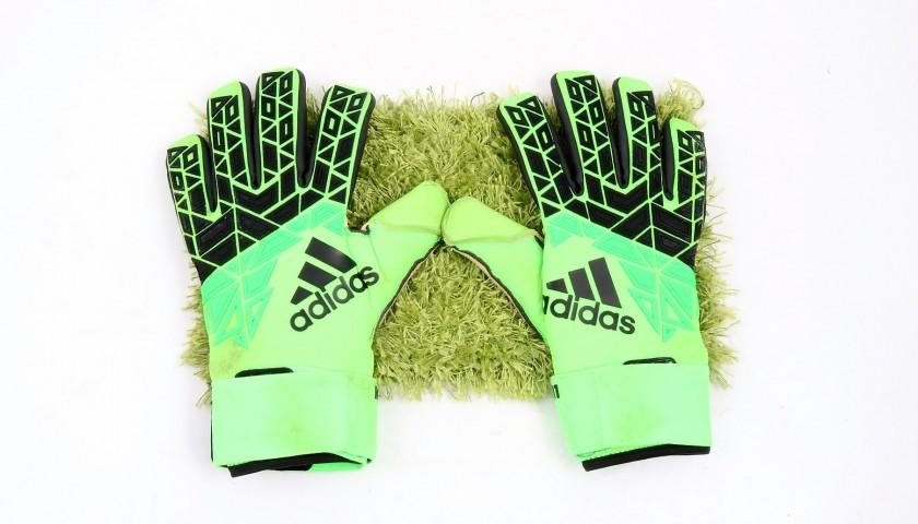Keylor Navas' Signed Match-Worn 2016/17 Gloves