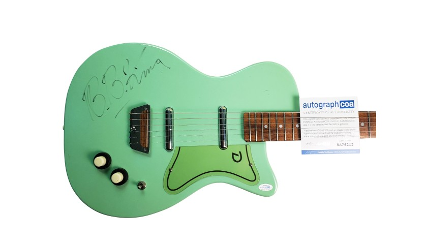 Danelectro Guitar Hand Signed by BB King CharityStars