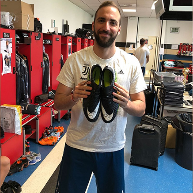 Higuain Issued/Signed Football Boots, Season 2017/18