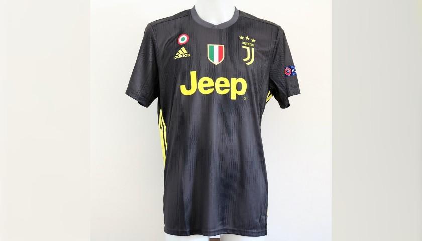 4e214e237 Ronaldo s Official Juventus 2018 19 Signed Shirt - CharityStars