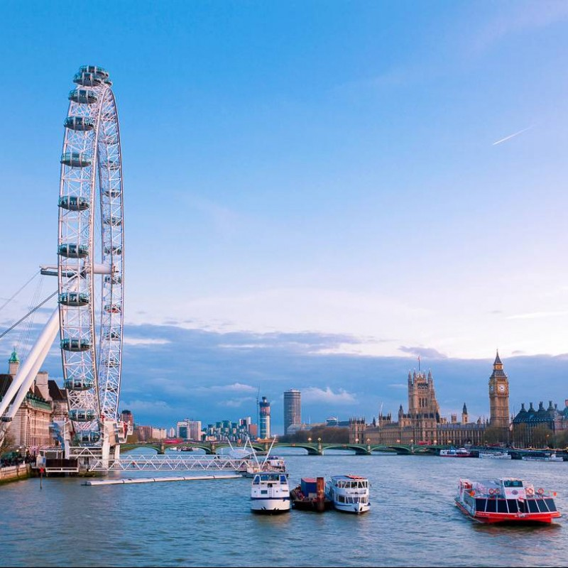 Visit London and Cruise Down the Thames with Lunch for 2 People