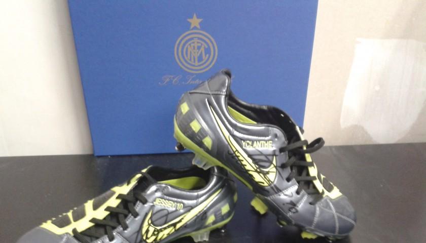 f9cd6e4105 Scarpe indossate da Sneijder con l'Inter, personalizzate e firmate ...