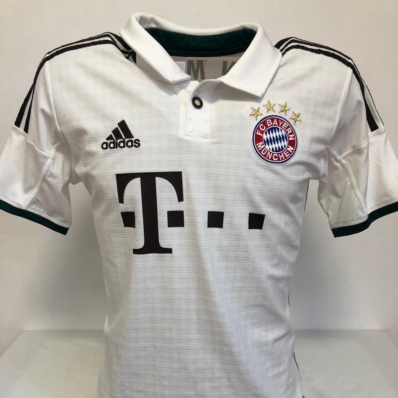 Lewandowski's Official Bayern Munich Signed Shirt, 2013/14