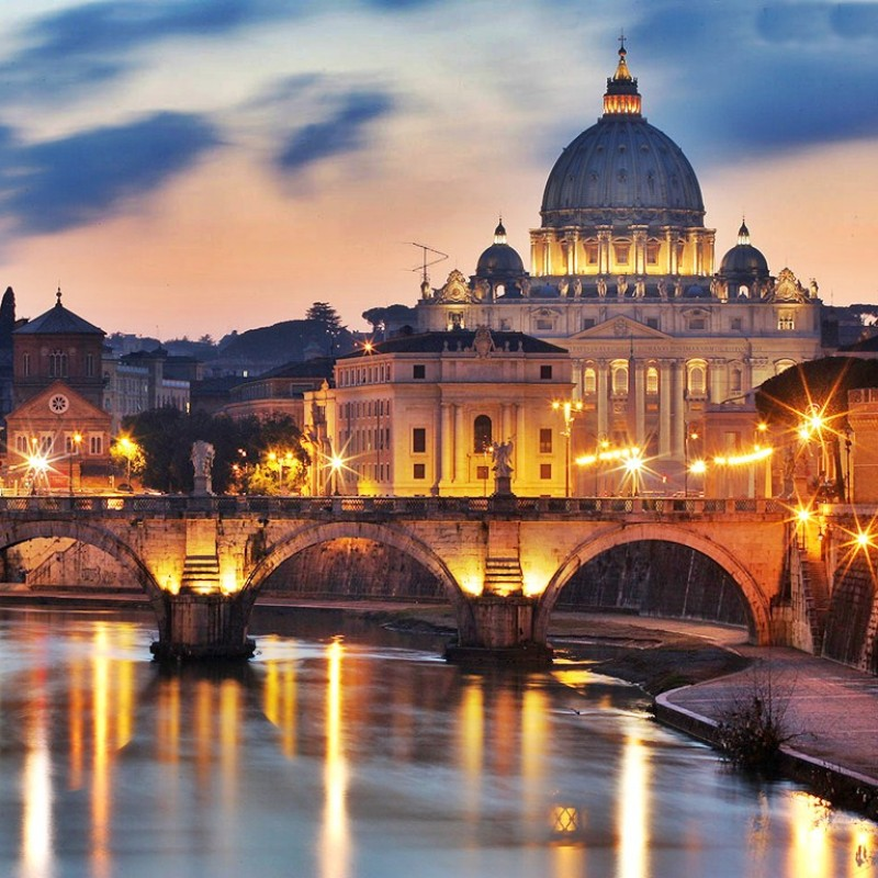 Lot 46 - Rome and private Vatican tour with wednesday open encounter with the Pope