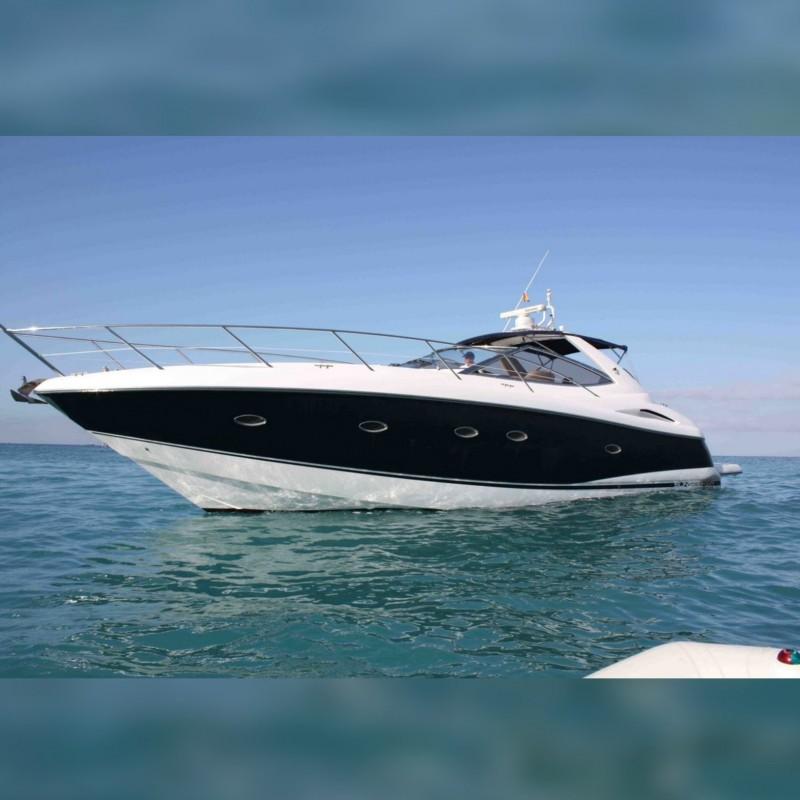 Luxury Sunseeker Yacht Trip