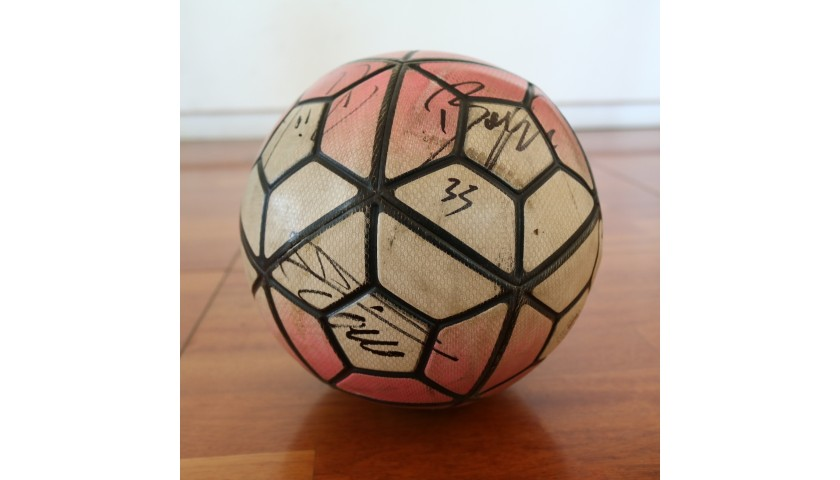 Serie A 2015/16 Matchball - Signed by Juventus