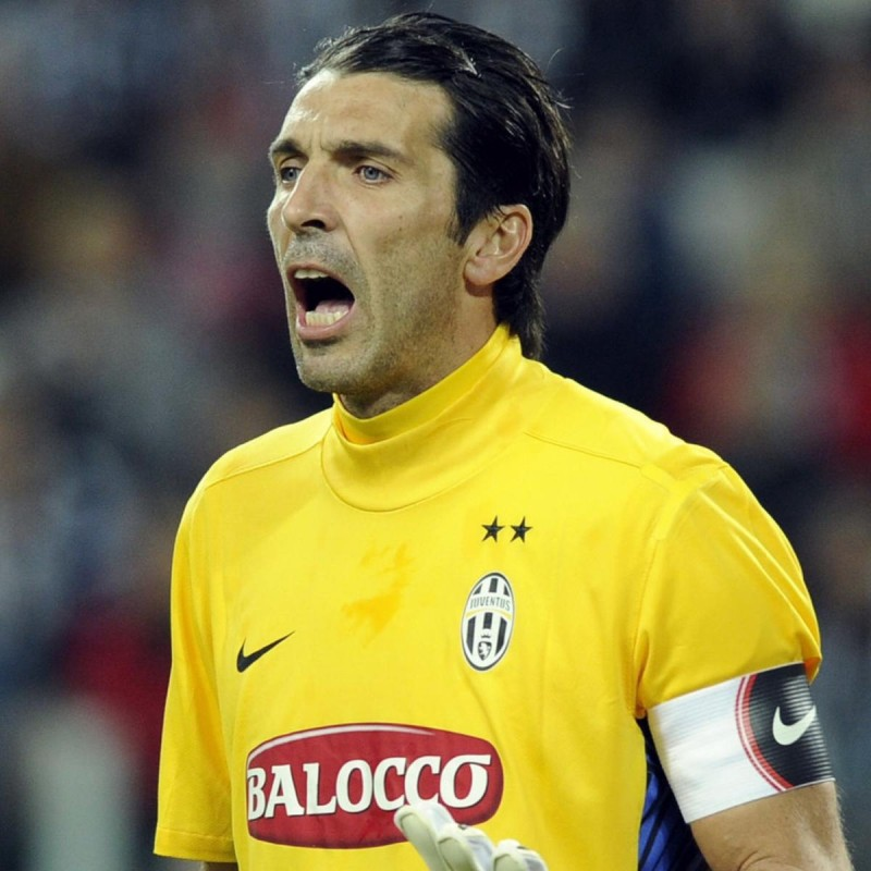 Buffon's Match Shirt, Juventus-Roma 2012 + Training Shirts