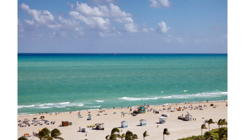 2 Nights at Loews Miami Beach Hotel, Plus 100,000 American Airlines miles