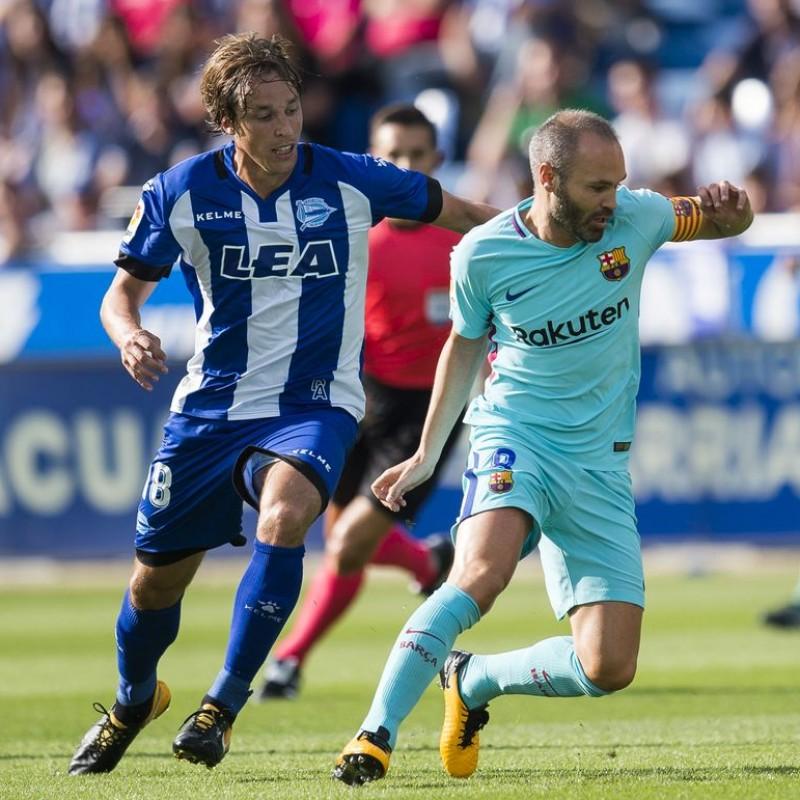 Iniesta's Match Shirt, Deportivo Alavés-Barcelona 2017