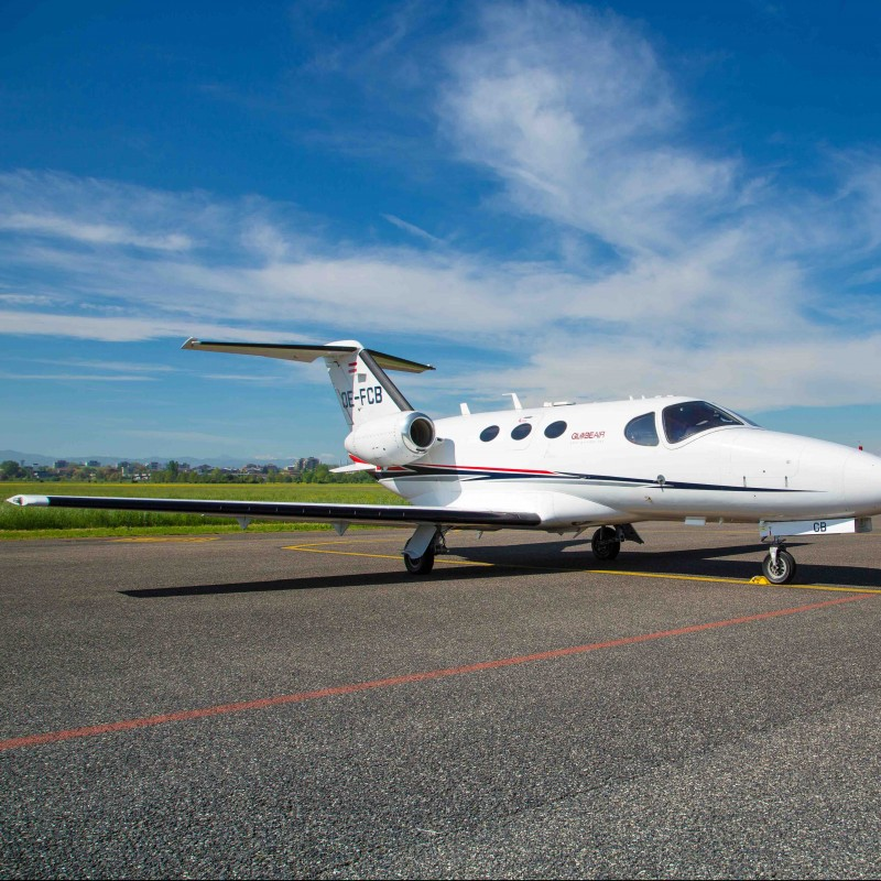 Round trip flight with a GlobeAir private jet