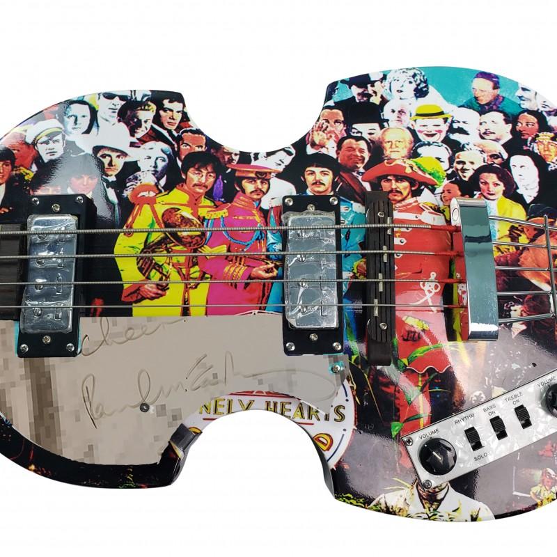 Basso Hofner con grafica personalizzata autografato da Paul McCartney dei Beatles