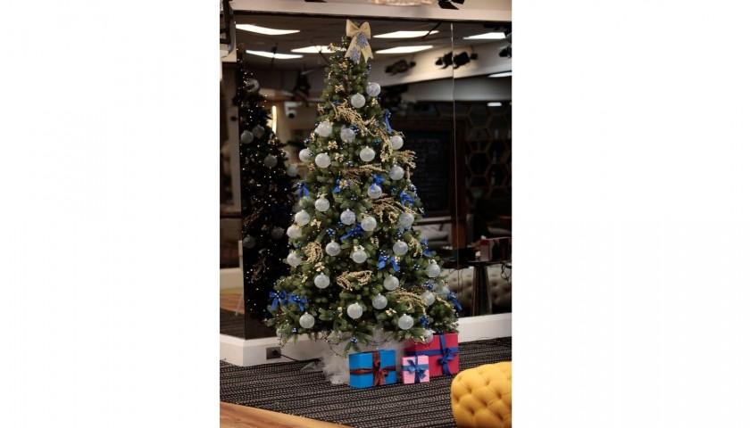 Albero Di Natale Grande.L Albero Di Natale Del Grande Fratello Vip Personalizzato Dai Concorrenti Charitystars