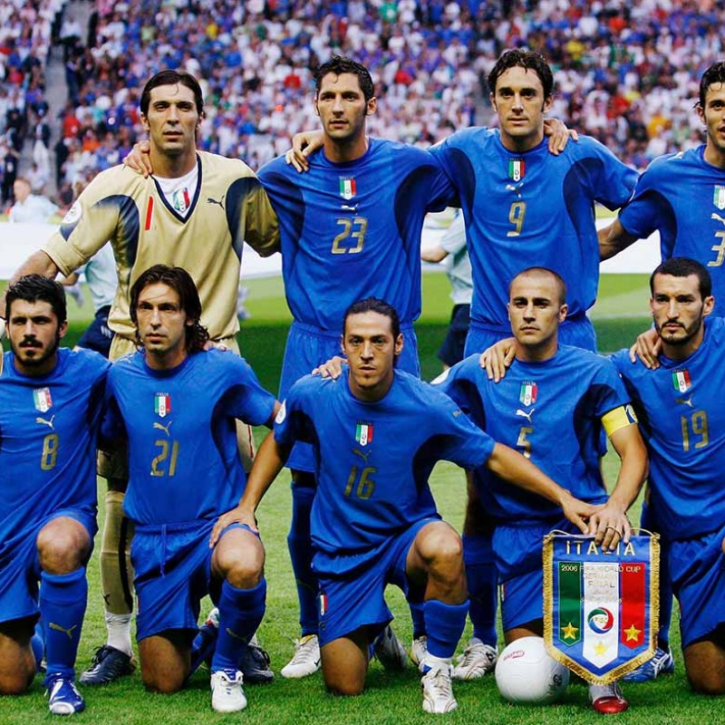 Italy Football Celebratory T-Shirt 2006 - Signed by the Squad