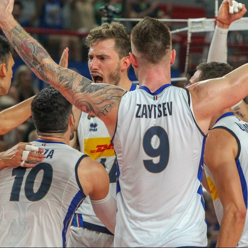 Official Italy Volleyball Vest - Signed by the Champions