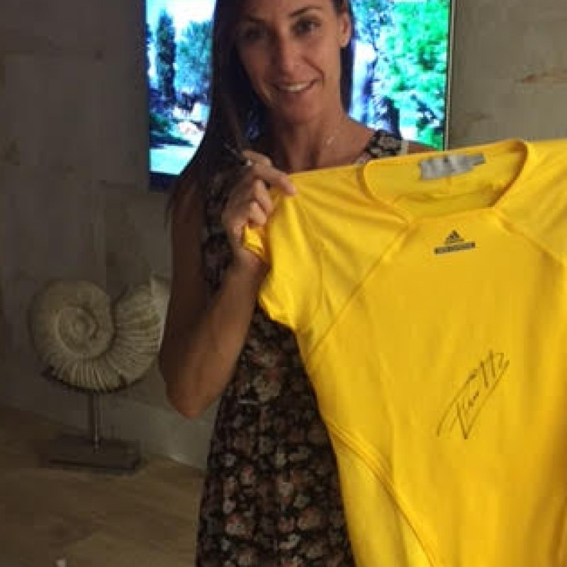 Tennis T-shirt signed by Flavia Pennetta