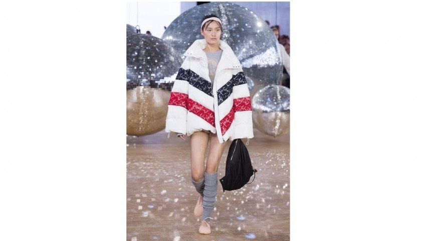 Lot 26 - Moncler Gamme Rouge S/S 2018 Light Doudone With Lace