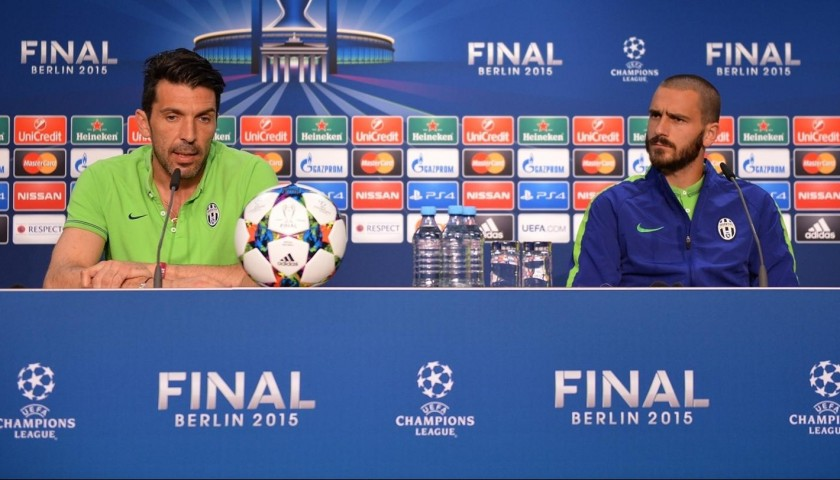 Matchball UCL Final 2015 - Signed by Ronaldo