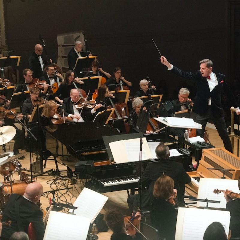 Dirigi l'Orchestra The New York Pops sul palco del Carnegie Hall