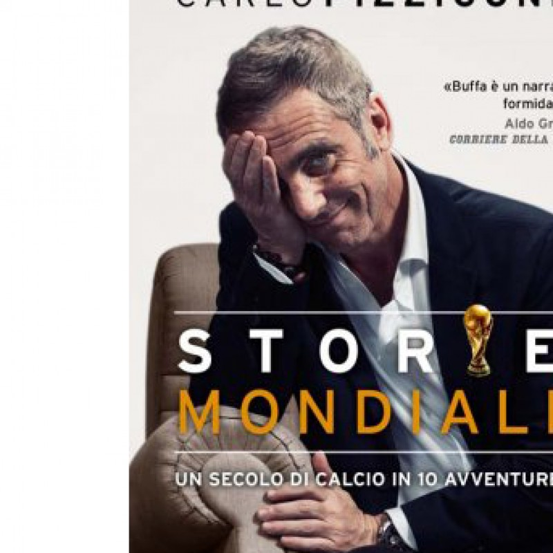"Federico Buffa gives you the first copy of his book ""Storie Mondiali"""