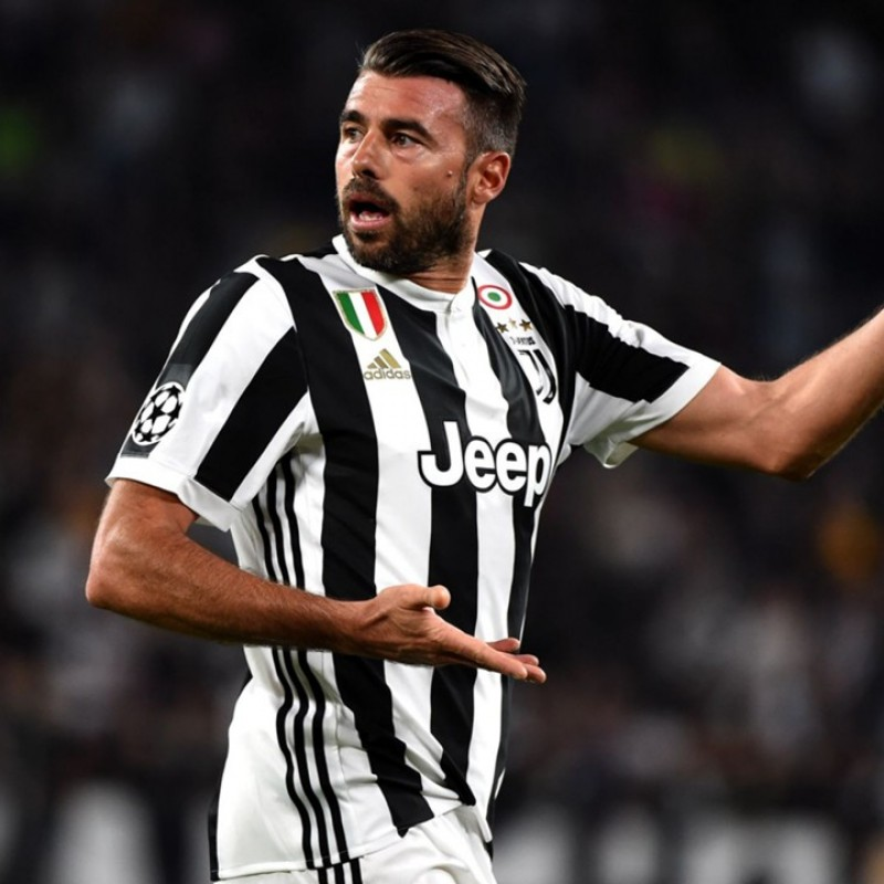 Barzagli's Unwashed Match-Worn UCL 2017/18 Juventus Shirt