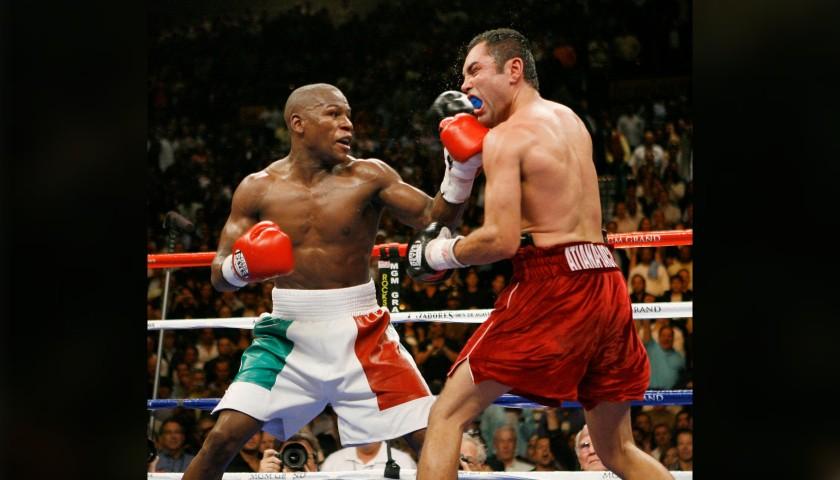 WBA Champion's Belt Signed by Óscar de la Hoya