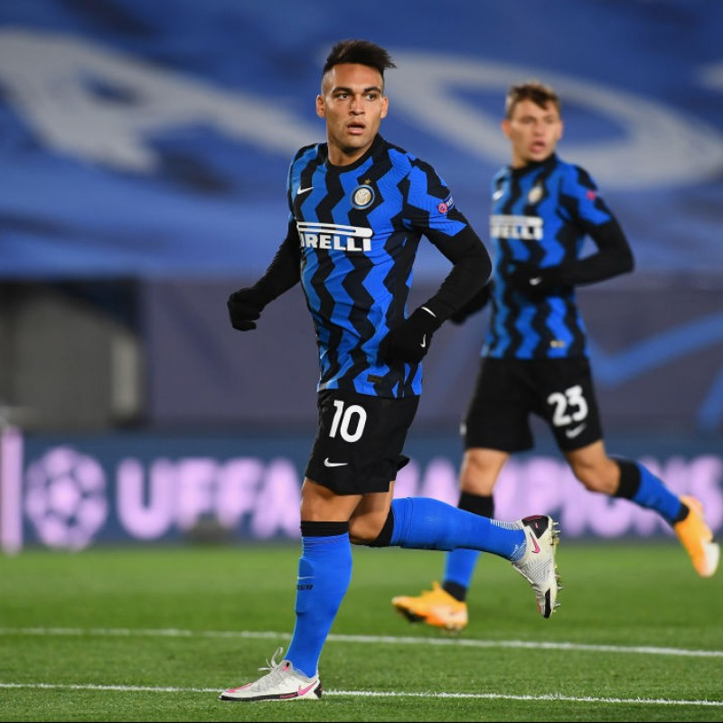 Nike Phantom Boots - Signed by Lautaro
