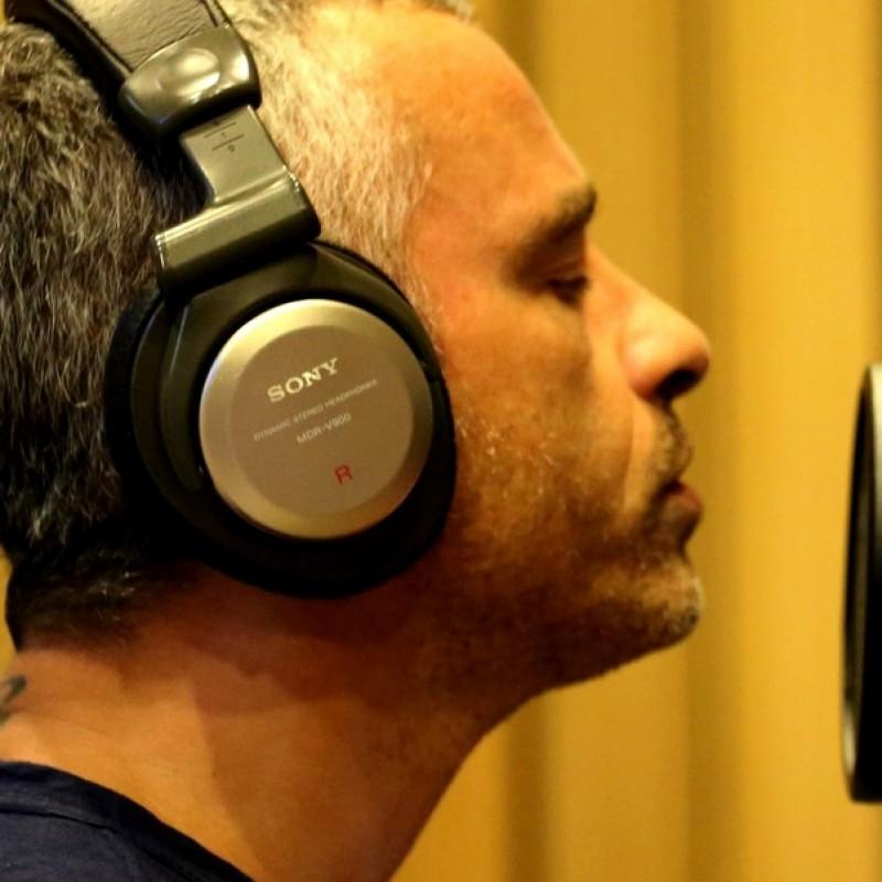 Half a day with Eros Ramazzotti in his recording studio